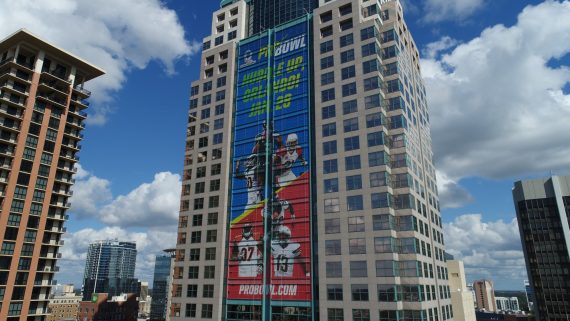 SunTrust Building with ProBowl mesh banner